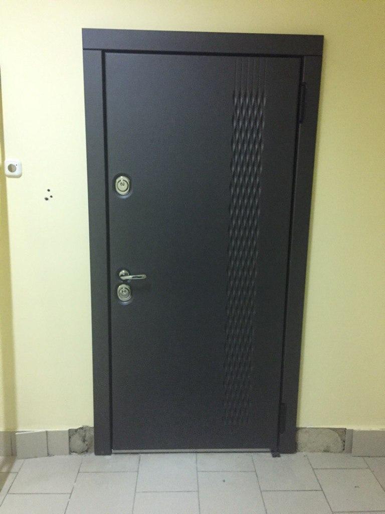 входная дверь неон Н-52 стальная линия
