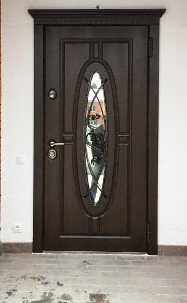 уличная дверь Монарх со стеклом и ковкой Стальная Линия