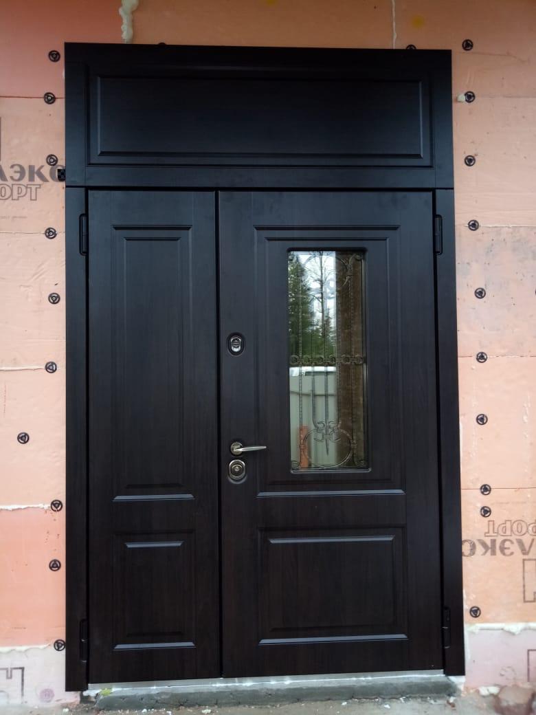 дверь Сорренто двупольная с фрамугой стекло ковка стальная линия