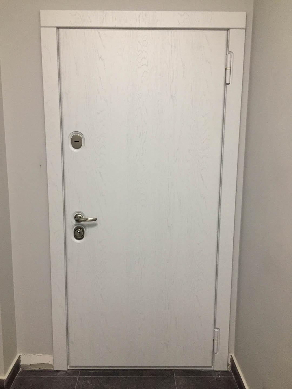 белая дверь Ультра Стальная Линия