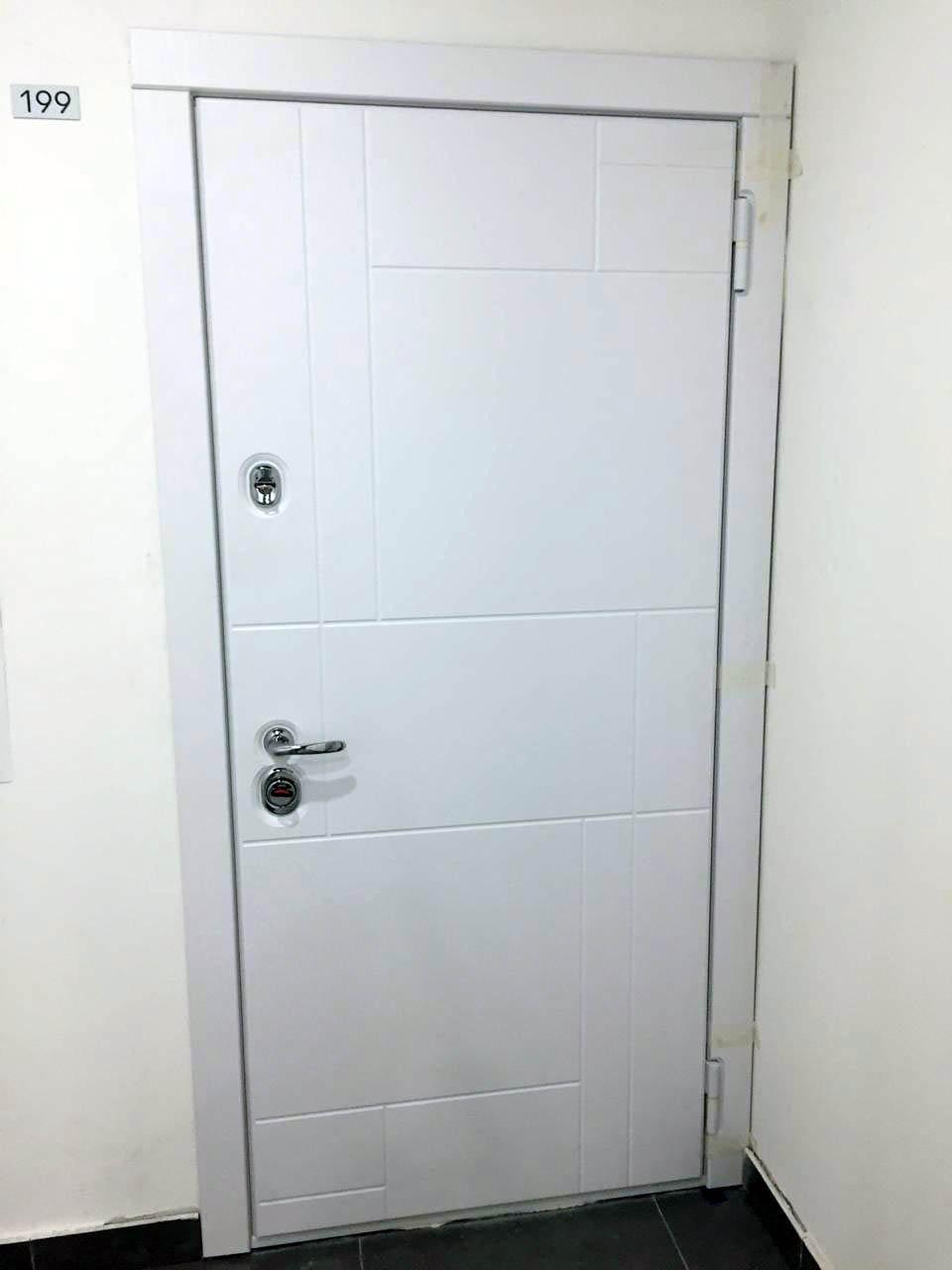 белая входная дверь Н-88 Аллегро стальная линия