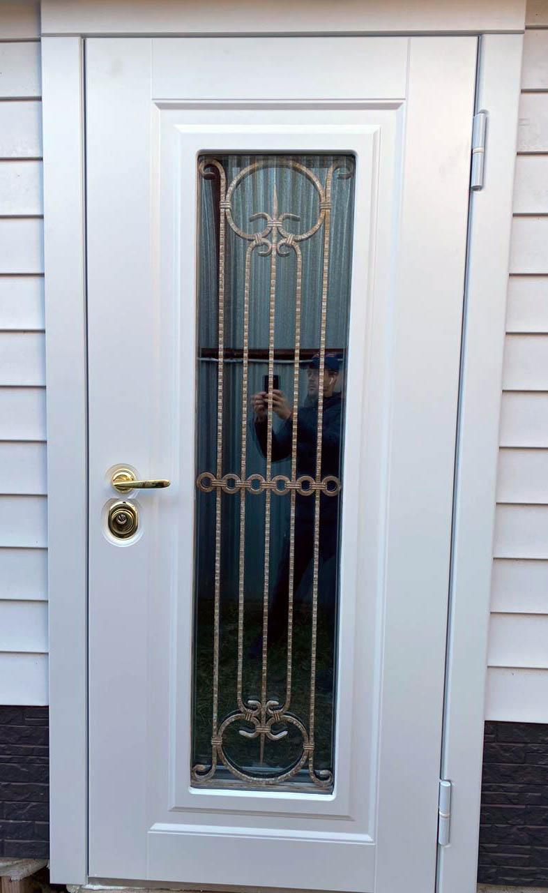 Входная дверь в дом Соренто стеклопакет Б2 Стальная Линия
