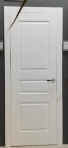 межкомнатная дверь в классическом стиле на три филёнки enamel classic 223 potential doors