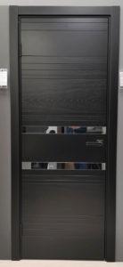межкомнатная современная дизайнерская дверь эмаль натуральный шпон ясеня вставки стекло зеркало blend 409.74 potential doors