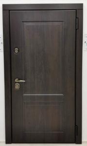 входная классическая дверь Steeltex тик с чёрной патиной П-31 стальная линия