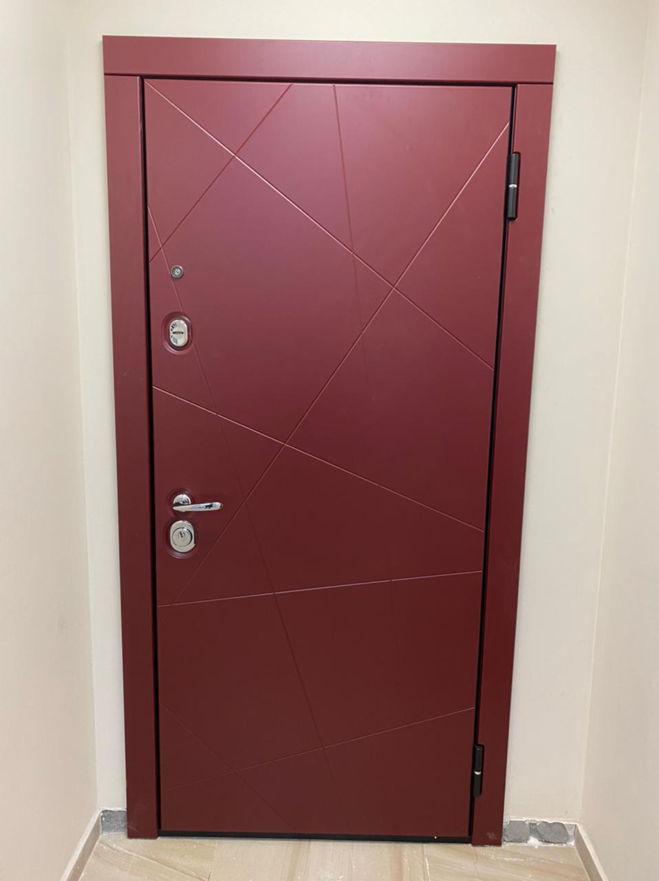 красная входная дверь стальная линия steellak марсала рисунок Д-13 глазок по оси фурнитуры
