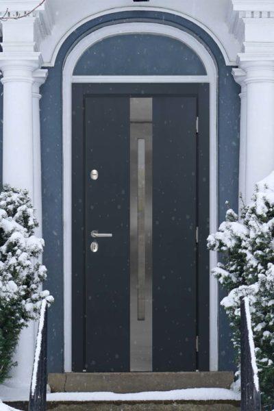 окна C1 и C1-Z для уличных дверей стальная линия