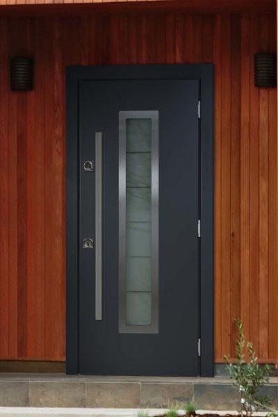 окно с для входных уличных дверей стальная линия