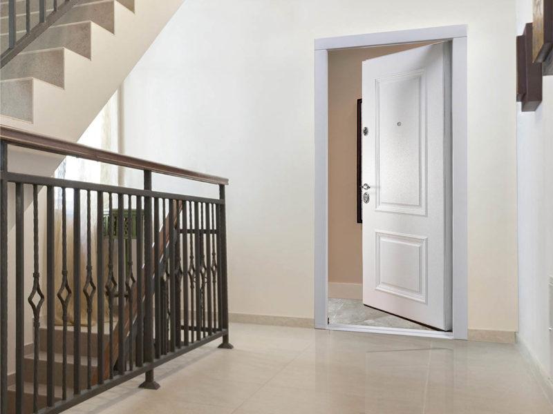 дверь внутреннего открывания стальная линия