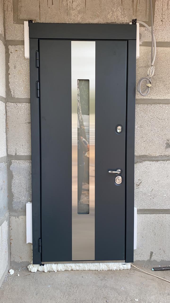 уличная дверь с терморазрывом и стеклопакетом стальная линия окно С2 рамка нержавеющая сталь отделка steellak антрацит