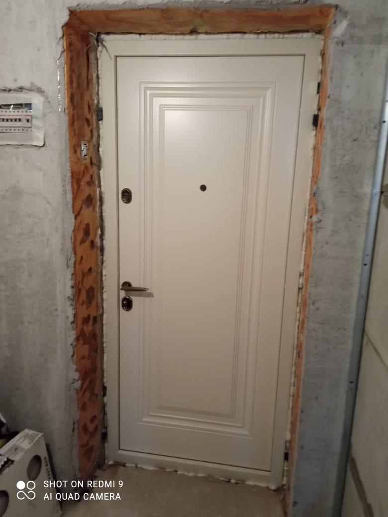 Входная дверь Флорентина стальная линия отделка steellak 9001 рисунок KF-03